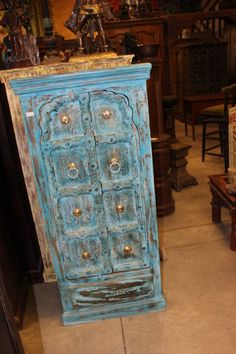 Indian Antique Hand Carved Wooden Cabinet with front 2 door two-shelf cabinet for plenty of storage, this is the perfect piece for your bedroom. unique style and design to your home interior.beautiful and amazing cabinet Vintage Armoire, Vintage Antiques, Rustic Wood Cabinets, Turquoise Door, Blue Chests, Indian Doors, Farmhouse Furniture, Kitchen Furniture, Cabinet Furniture