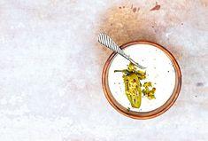 Domácí majonézu si vyrobíte velmi rychle a snadno. Pokud máte rádi pikantní chuť papriček jalapeňo, můžete je přidat i do majonézy. #recept #domaci #domacimajoneza #majoneza #jalapeno #papricky #recipe #homemade #mayonese #dip