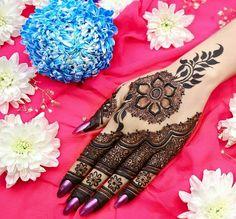 Hand Mehndi design for bride Kashee's Mehndi Designs, Latest Arabic Mehndi Designs, Back Hand Mehndi Designs, Latest Bridal Mehndi Designs, Mehndi Design Photos, Wedding Mehndi Designs, Mehndi Designs For Fingers, Simple Henna Tattoo, Beautiful Henna Designs