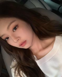 When you opened your front cam but you're Kim jennie 💜🔥 Kim Jennie, Kpop Girl Groups, Kpop Girls, Korean Girl, Asian Girl, Blackpink Members, Blackpink Photos, Blackpink Jisoo, Korean Makeup