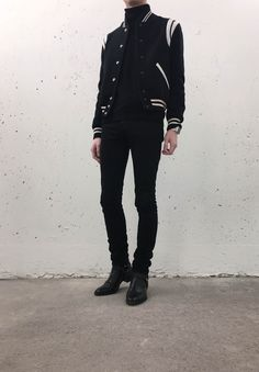 Korean Fashion Men, Best Mens Fashion, Korean Men, Black Aesthetic Fashion, Estilo Dark, Dark Men, Black Jeans Outfit, Moda Vintage, Gentleman Style