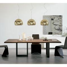 Rectangular walnut table SIGMA by Cattelan Italia design Philip Jackson Retro Furniture, Luxury Furniture, Furniture Design, Design Desk, Brown Furniture, Furniture Showroom, Loft Design, Furniture Stores, Modern Design
