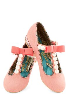 Pearl, You Know It's True Flat. Ooh, ooh, ooh, you look sassy in these pearl-embellished, salmon-pink T-strap flats by Irregular Choice. #pink #wedding #modcloth