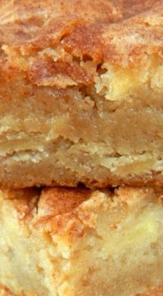 These Apple Blondie Bars are a perfect Autumn dessert that mixes apple pie and blondies. Yummy Apple Cake Bars with a large scoop of ice cream! Fall Cookie Recipes, Fruit Recipes, Apple Recipes, Dessert Recipes, Potluck Recipes, Yummy Recipes, Apple Desserts, Fall Desserts, Just Desserts