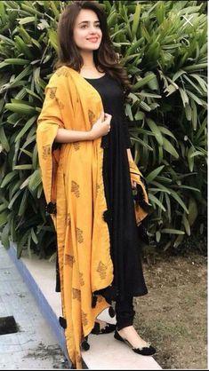 Excited to share this item from my shop: VeroniQ Trends - Black Anarkali Dress with Chanderi Silk Dupatta. Women Dresses for all occassins to buy online Salwar Designs, Kurta Designs Women, Kurti Designs Party Wear, Dress Designs, Robe Anarkali, Black Anarkali, Black Salwar Suit, Lehenga, Patiala Salwar