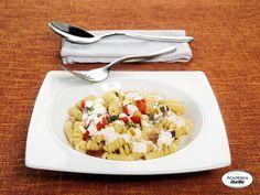 Fusilli Bucati Corti con peperoni e speck in crema di formaggi