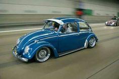 Slammed VW Bug #rollingshot