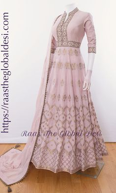 Shop premium range of Anarkali gown online USA,Indian clothes online, Indian dress near me , gown dress , wedding suits long dress and Indian Gowns Dresses, Indian Fashion Dresses, Dress Indian Style, Indian Designer Outfits, Indian Outfits, Designer Dresses, Pakistani Long Dresses, Indian Long Dress, Long Anarkali Gown