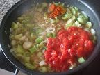 Mancare de praz cu masline preparare reteta Beans, Vegetables, Food, Vegetable Recipes, Eten, Veggie Food, Prayers, Meals, Beans Recipes