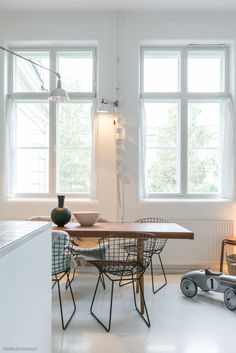.love the table and chairs