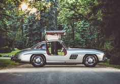 Mercedes-Benz 300 SL Gullwing. Wings Spread. We drove this car through Chicago rush hour traffic for about 5 miles to this spot. Not your average commuter to say the least. #fbf #flashbackfriday #mercedesbenz #300sl #gullwing