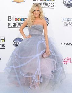 Carrie Underwood in a lavender grey and blush Oscar de la Renta tulle gown. 2012 Billboard Music Awards - Arrivals