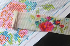 Bracelet tapisserie ;-) http://mamoizellek.canalblog.com/