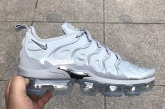 Nike VaporMax Plus Triple Grey Chrome. The Nike Air VaporMax Plus Triple Grey with Chrome accents releasing during 2018 find updates. Nike Air Shoes, Nike Free Shoes, Nike Air Vapormax, Cute Sneakers, Shoes Sneakers, Fresh Shoes, Hype Shoes, Sneakers Fashion, Shoe Boots