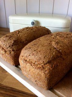 Idas gode grovbrød Kefir, Bread Baking, Baked Goods, Rolls, Food And Drink, Scones, Eat, Breakfast, Bread Making