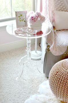 Acrylic Furniture www.lemonstolovelys.com