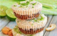 Mini Key Lime Pies [Vegan, Gluten-Free] - One Green PlanetOne Green Planet Gluten Free Key Lime Pie, Vegan Key Lime Pie, Mini Dessert Recipes, Raw Desserts, Vegetarian Desserts, Dessert Healthy, Healthy Sweets, Mini Key Lime Pies, Mini Pies
