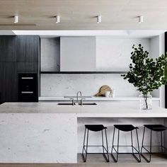 // THE AUSSIE DREAM by @mimdesignstudio :) Cue outdoor Kitchen/BBQ + Backyard Entertaining directly to the right ;) Boom. Team DS. X #designstuff #kitchen #kitchendesign #kitcheninspiration #marblelove #marblekitchen #australianinteriors #australianinteriordesign #mimdesign #melbourne #openplanliving With thanks, photo by @sharyncairns xx