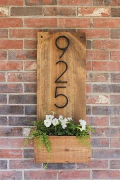 How to make a vertical house number sign for your home exterior, easily mountable right by a front door. Includes a little planter to add some pretty color. #DecoratingIdeas Number Signs For House, Home Number, Diy House Numbers, Signs For Home, Door Number Sign, Front Door Numbers, Home Address Signs, Farmhouse House Numbers, Address Numbers