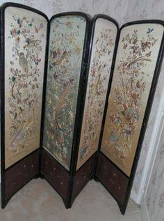 Paravent quatre feuilles avec broderie JAPON  soie  début XXème