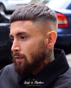 Find inspiration at Salon Intemporel. Find inspiration at Salon Intemporel. Bowl Haircuts, Hairstyles Haircuts, Haircuts For Men, Cool Hairstyles, Mens Hairstyles 2018, Men Haircut 2018, Fade Haircut, Haircut Short, Short Hair Cuts