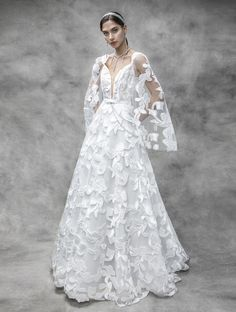 Oh me oh my Victoria KyriaKides 2020 Collection is looking gorgeous with ethereal yet glam rock looks with an Old Hollywood feel. These luminious and sparkling wedding dresses are a must-see! Ballroom Wedding Dresses, Floral Wedding Gown, Indian Wedding Gowns, Couture Wedding Gowns, Pink Wedding Dresses, Beautiful Wedding Gowns, Bridal Dresses, Minimalist Wedding Dresses, Bridal Collection