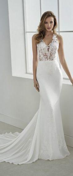 gefunden bei Happy Brautmoden Brautkleid elegant, elegantes Brautkleid, White One by Pronovias, Spitze, Spitzenkleid, edel, elegant, fließend, Rückenausschnitt, Hochzeitskleid