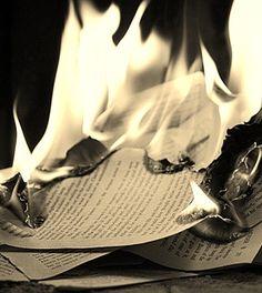 Tribunal Kazajstán ordena destruir Biblias y literatura cristiana