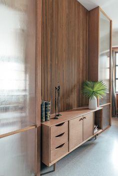 68 Trendy Furniture Showroom Interior Home Decor Home Office Furniture, Furniture Design, Contemporary Interior Design, Furniture Showroom, Minimal Office Design, Office Furniture Arrangement, Furniture Arrangement, Interior Design, House Interior