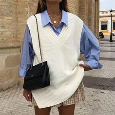 White Vest Outfit, Sweater Vest Outfit, Knit Vest, Sweater Vests, Winter Sweater Outfits, Autumn Outfits, Winter Clothes, Look Fashion, Korean Fashion