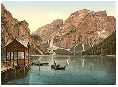 [Pragse, Wilsee (i.e., Wildsee), toward Sulden, Tyrol, Austro-Hungary]. Library of Congress photochrom prints 1890-1900. / A lake in the Prags Dolomites in South Tyrol, Italy