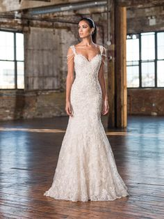 Justin Alexander Signature Wedding Dresses - Fall and Winter 2016 Bridal Collection | Junebug Weddings