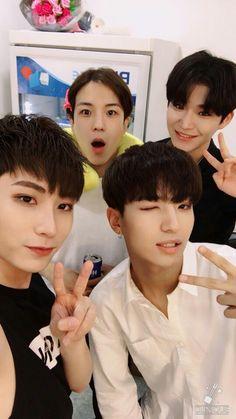 BOYS24 Instagram Official Update #BOYS24 #isaac #yongkwon #hwayoung #rouoon #소년24 #아이젝 #용권 #화영 #로운 #kpop #idol #아이돌 #unitsky #unityellow #유닛스카이 #유닛옐로우
