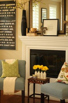 Small seating in front of fireplace - would have to shift the entertainment center but the idea is worth exploring. - My-House-My-Home Decor, House Styles, Family Room, Home And Living, New Homes, House, Home Decor, Mantle Decor, Home Deco