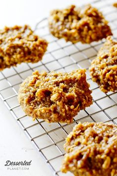 Peanut Butter and Banana Quinoa Cookies  |  DessertedPlanet.com