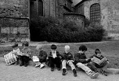 Ferdinando Scianna 1997   Milan ,Children reading comics