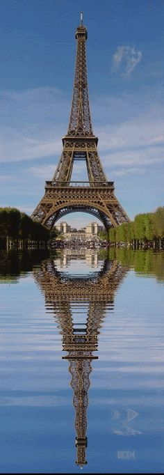 EIFFEL TOWER WATER REFLECTION