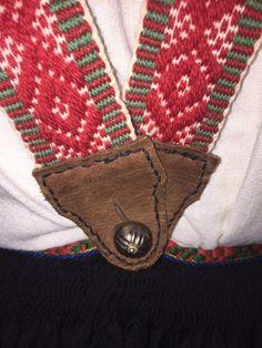 Seler til Vest-Agderbunad Folk Costume, Costumes, Vest, Sunglasses Case, Barn, Clothes For Women, Norway, Women's Clothing, How To Wear