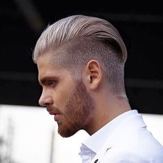 Comb over haircuts - why they have become immensely popular?Getting to Know More About the Comb Over Haircuts.Best Comb Over Haircuts You Should Try Trimmed Beard Styles, Faded Beard Styles, Hair And Beard Styles, Hair Styles, Shaved Head With Beard, Bald With Beard, Beard Fade, Comb Over Fade Haircut, Sexy Bart