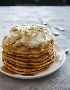 golden pumpkin pancakes Buckwheat Pancakes, Pumpkin Pancakes, Blueberry Pancakes, Vegan Mac And Cheese, Best Oatmeal, Vegetable Dishes, Breakfast Recipes, Vegetarian Recipes, Stuffed Peppers