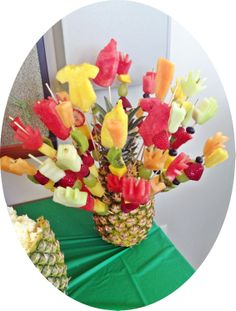 1000 images about new mom 39 s mom 39 s to be baby shower for Baby shower fruit decoration ideas