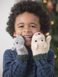Cat And Mouse Mittens. Free pattern, you have to sign up for email and login to get free patterns.