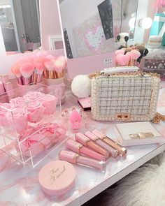 Mode Rose, Pink Vanity, Baby Pink Aesthetic, Makeup Room Decor, Pink Photo, Cute Room Decor, Glam Room, Girl Bedroom Designs, Aesthetic Room Decor