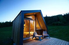 Luxurious little cabin built to weather out northern winters