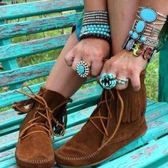 ➳➳➳☮ American Hippie Bohemian Boho Feathers Gypsy Spirit Tati Style .. Moccasins and Turquoise Jewelry