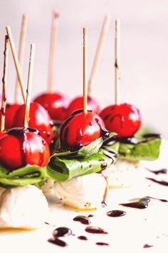 #Caprese #salad #balsamic #mozzarella Caprese Salad Skewers Appetizer from The Food Charlatan These Caprese Salad Skewers are going to be your new favorite appetizer to bring to every party Cherry tomatoes are paired with marinated mozzarella and fresh basil Drizzle with Balsamic Reduction Everyone loves these and they are a welcome change from carbheavy party food capresebrp classfirstletterOur web page has been carefully perform for you  Scroll down for also different caprese salad active… Caprese Salad Skewers, Skewer Appetizers, Balsamic Reduction, How To Cook Ham, Fresh Basil, Cherry Tomatoes, Caramel Apples, Change, Mozzarella Caprese