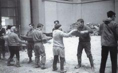 Firenze 1966 Mud angels at work   #TuscanyAgriturismoGiratola