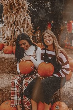 Cute Fall Pictures, Cute Friend Pictures, Winter Pictures, Fall Photos, Fall Pics, Bff Pics, Halloween Photography, Autumn Photography, Creative Photography