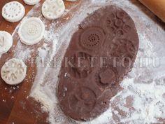 kekszpecsét + keksz recept! *** Diy Crafts, Cookies, Baking, Cake, Christmas, Food, Crack Crackers, Xmas, Make Your Own