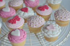 Baby shower cake chaussons fille (20)b